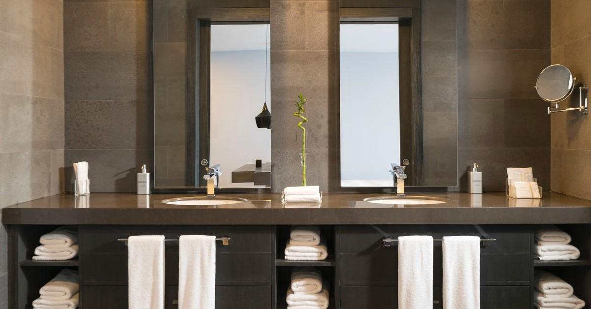 benefits clean employee bathroom scheduling+